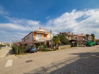 Cozy apartment very close to the centre of Umag with Parking, Air conditioning,
