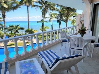 Charming 2BR condo with ocean view - Pool, Beachfront, Wifi, AC