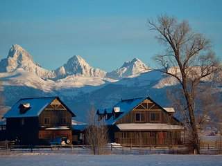 5 BR Postcard Views, Teton Valley ID