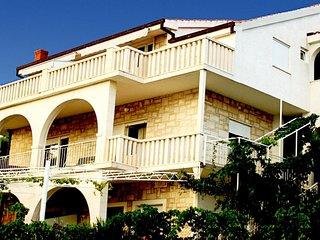 Zimmer 4655-4 fur 3 Pers. in Trogir