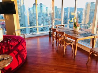 sleep 6  WATERFRONT YALETOWN suite 3BR -2 Bath