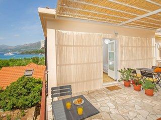 Apartments Elica - Comfort Studio Apartment with Terrace and Sea View (Fabijan)