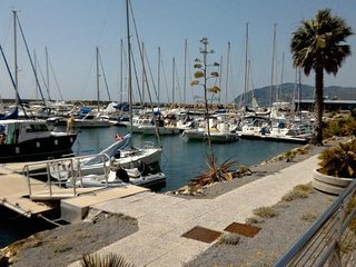 Maison Laura San Bartolomeo al Mare