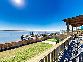 Totally Remodeled! Airy Salt Lake Waterfront w/ Dock & 2-Story Deck