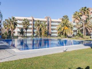 Beautiful 6 pax apartment with pool near Port Aventura