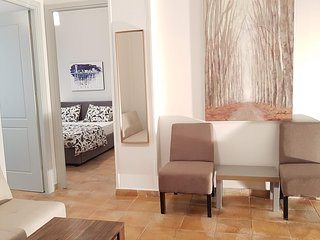 Palette Apartment (Terracotta) - Athens Center, 6 BD, 2 BATH