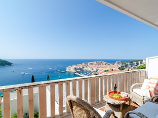 Bonavista - Superior Two Bedroom Apartment with Balcony and Sea View