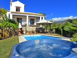Villa Cordoba-Private pool-Hot tub Jacuzzi-A/C-R1041