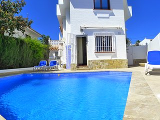 Casa DiTetta-Town centre-private pool-roof terrace-close to beach-wifi-R1183