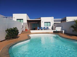 Villa Mirador with heated pool