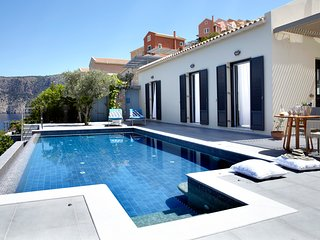 Asos Villa Sleeps 2 with Pool and Air Con - 5757177