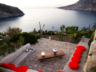 Asos Villa Sleeps 4 with Pool and Air Con - 5757174
