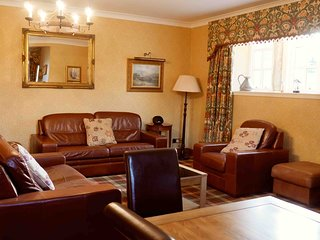 No 1 Argyll, 2 Bedroom Apartment, Sleeps 6, With Leisure Facilities & Pool