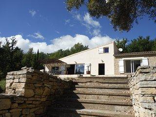 Grande villa T5 + piscine en pleine nature au coeur du LUBERON