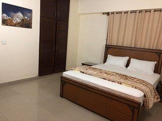 Traveler & Family Room