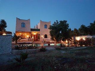 Alojamiento en una Kasbah con jacuzzi y piscina