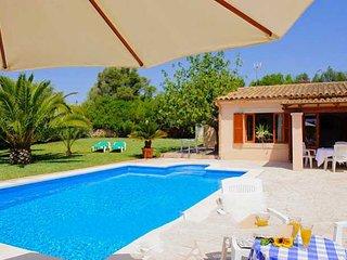 Cala Barca Farmhouse Sleeps 10 with Pool Air Con and WiFi - 5000766