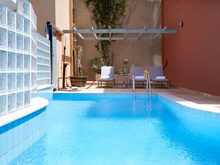 Asos Villa Sleeps 6 with Pool and Air Con - 5757165