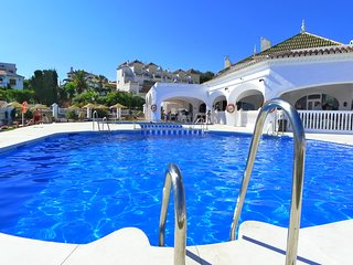 Capistrano Playa 213-Holiday Apart with large terrace & great views-wifi-R838