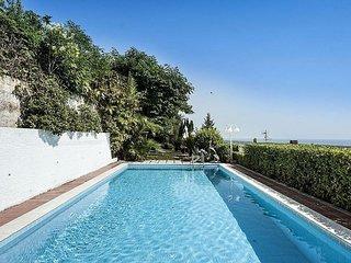 Villa di lusso con piscina e vista mozzafiato con aria condizionata e wifi
