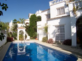 Villa Golondrinas-Detached Villa-Private Pool-Roof Terrace-Close to Beach-R916