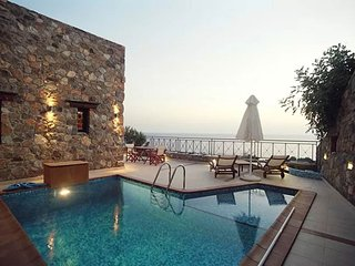 Villa Meliti is a luxury villa with the sea just a breath away.