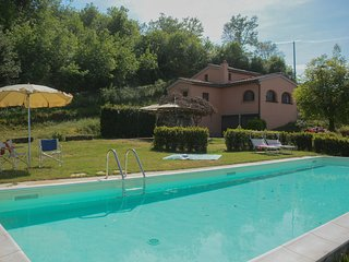 Poggio degli Ulivi, amazing villa in Chianti, with private pool, garden, view