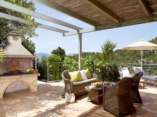 Asos Villa Sleeps 4 with Pool and Air Con - 5757171