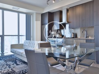 Splendid - Fully Furnished Luxury Executive Condo King West