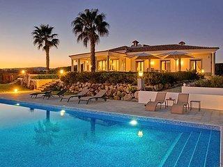 4 bedroom Villa in Santa Barbara de Nexe, Faro, Portugal - 5433553