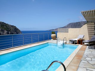 Asos Villa Sleeps 4 with Pool and Air Con - 5757160