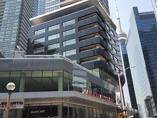 Downtown 2 Bedroom Modern Harbourfront & Union subway