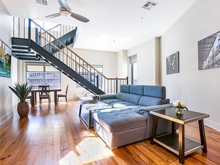 Luxury 2-story Penthouse w private Terrace near French Quarter