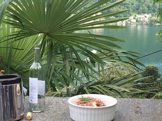 Vico Morcote: Grosses Ferienhaus mit Tessinercharme und Seeblick