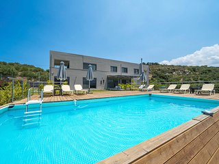 Agios Andreas Villa Sleeps 10 with Pool and Air Con - 5757153