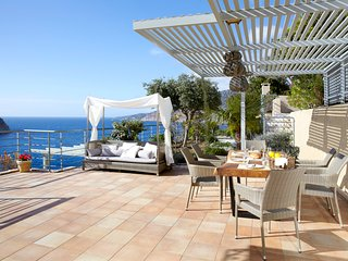 Asos Villa Sleeps 6 with Pool and Air Con - 5757166
