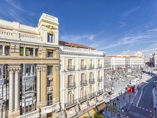 Cozy apartment in the center of Madrid with Lift, Internet, Washing machine, Air