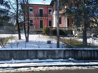 Spacious apartment in Santa Maria della Versa with Parking, Internet, Washing ma