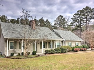 NEW! Fayetteville Home ~5 Mi to Pinewood Studios!