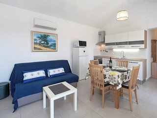 Cozy apartment very close to the centre of Poreč with Parking, Internet, Air con