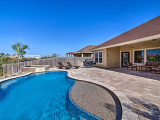 NEW! South Padre Home w/ Saltwater Pool Near Golf!