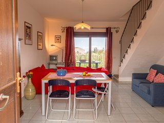Cozy apartment in the center of Paduledda with Parking, Terrace