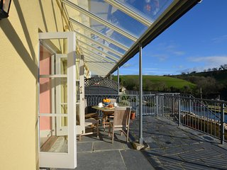 73076 Apartment situated in Fowey (1.5mls NE)