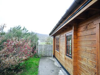 AFFRI Log Cabin situated in Loch Ness (12.5mls W)