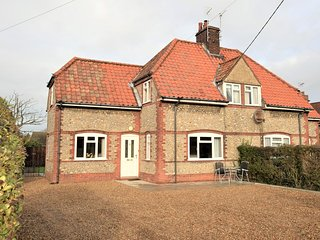 73518 Cottage situated in Holt