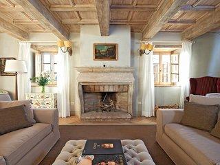 Luxury villa Larice