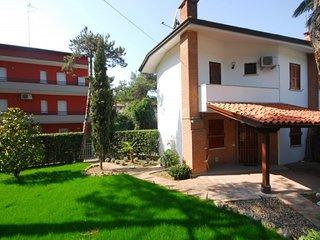 Cozy villa150m from the beach