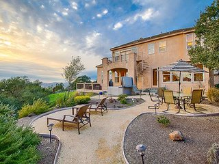 High End, Spacious 5BR, 3.5BA Santa Rosa House w/Gourmet Kitchen, Hot Tub