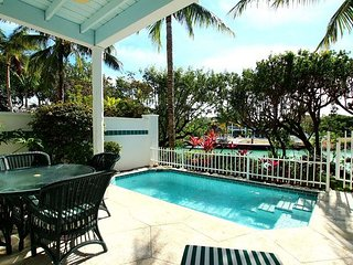 2 Bedroom 2 And 1/2 Bath With Private Pool