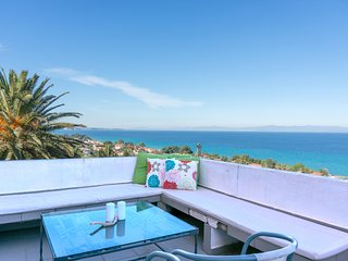 Blue Horizon 3, 1BR apartment with fantastic view by JJ Hospitality